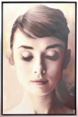 Audrey Hepburn – Front